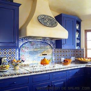 Azulejos de colores en la cocina for Mexican kitchen color schemes