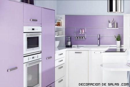 Cocinas schmidt llenas de colorido y elegancia for Cocinas schmidt