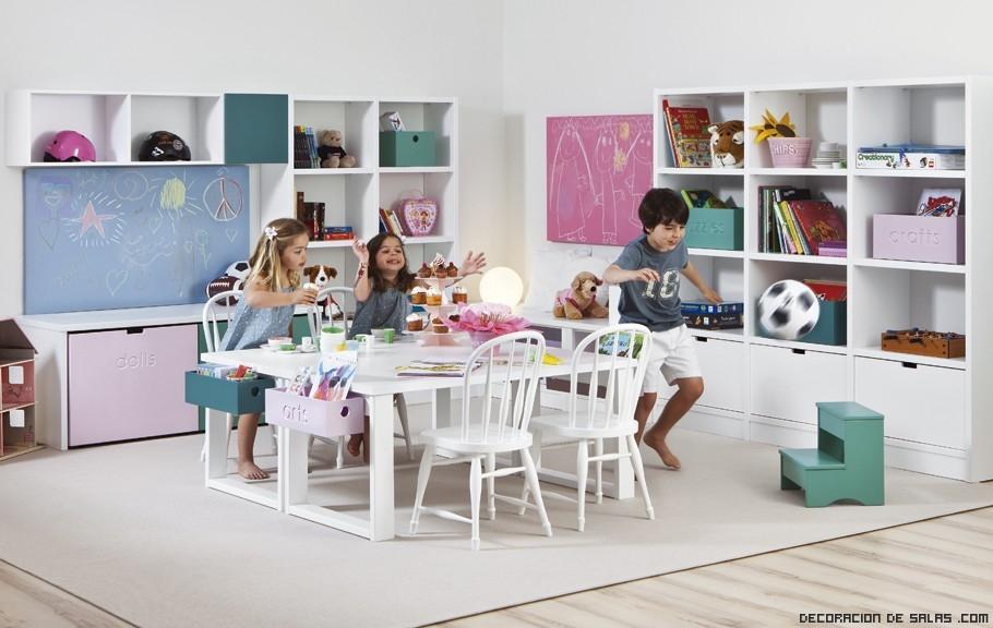 Cuartos de niños con estanterías