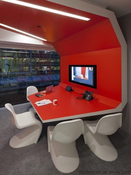 Nuevos dise os en las oficinas google for Decora tu oficina