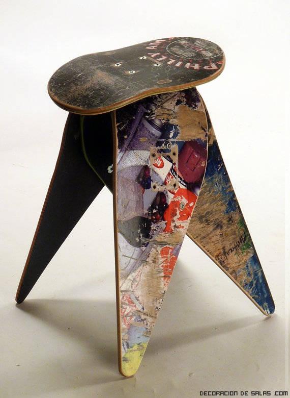 Muebles hechos con tablas de skate for Muebles originales reciclados