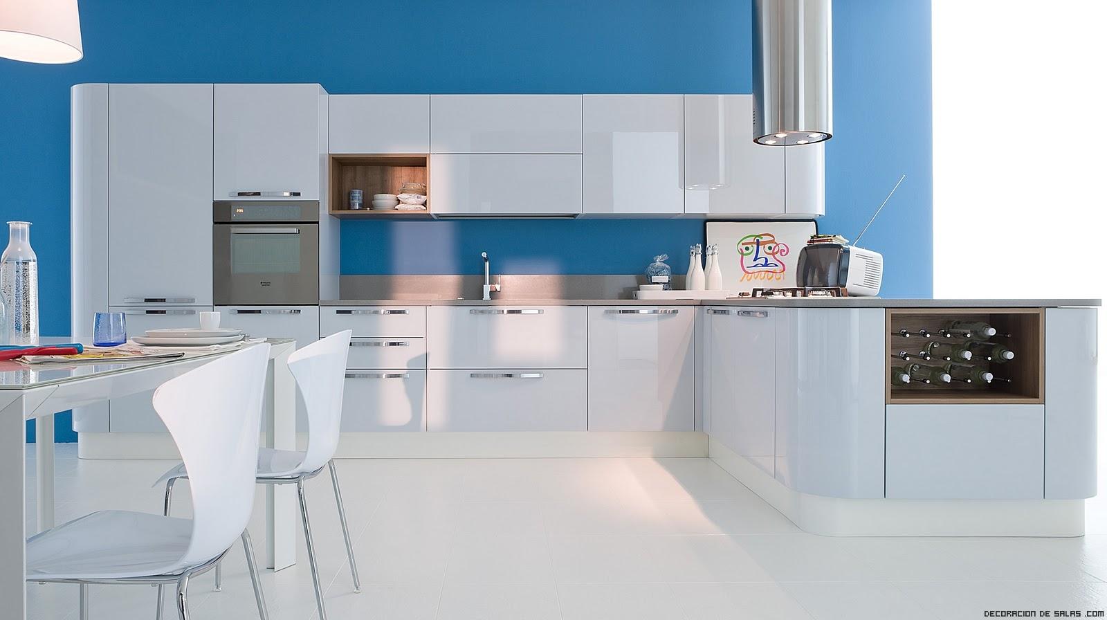 Cocinas en azul for Colores para pintar una cocina comedor