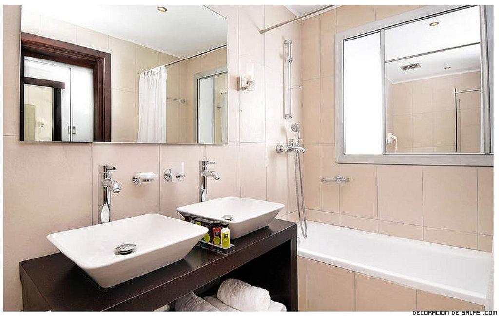 Elimina las manchas de agua y cal - Trucos para limpiar el bano ...