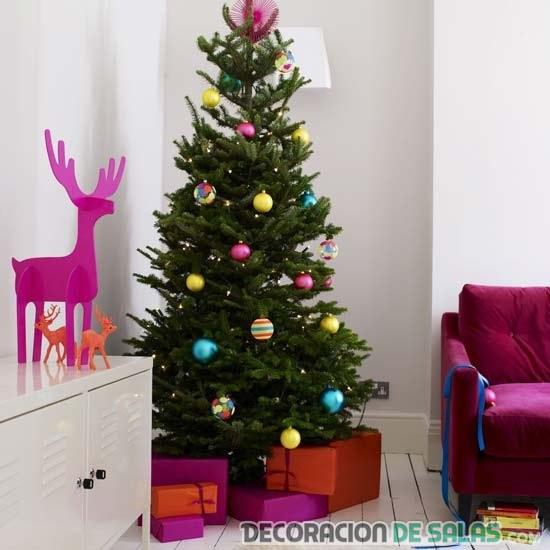 árbol decorado sencillo