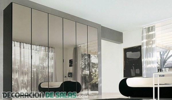 Muebles de espejo para decorar tu hogar Decoracion de salas con espejos en la pared