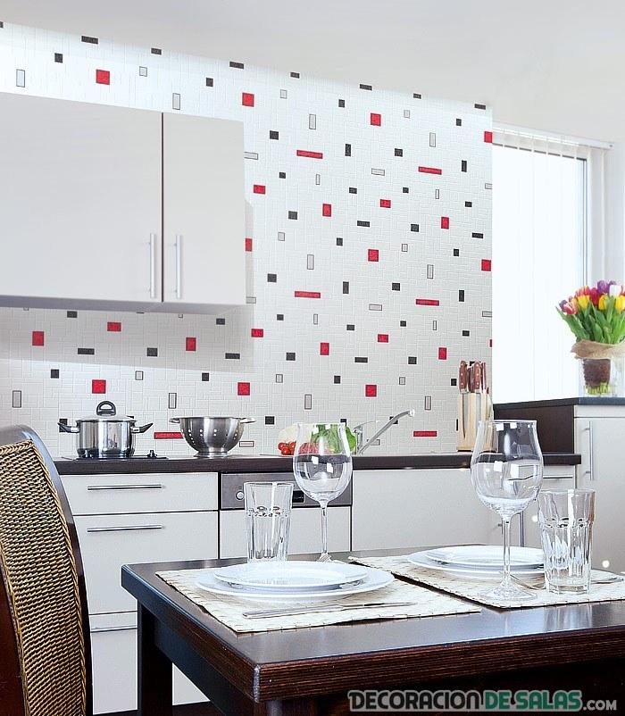 Cocinas y ba os reformados con azulejos pintados - Cocinas con azulejos blancos ...