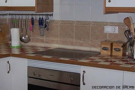 Encimeras de azulejos - Alicatado cocina ...