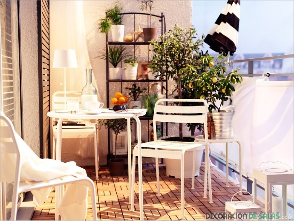 balcones decorados en blanco