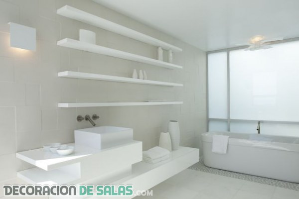 La pureza en los ba os minimalistas for All white bathrooms ideas