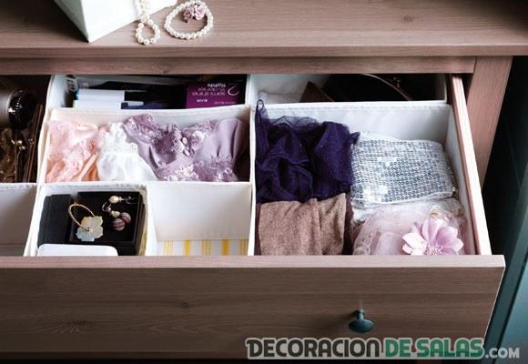 cajones de ropa organizados
