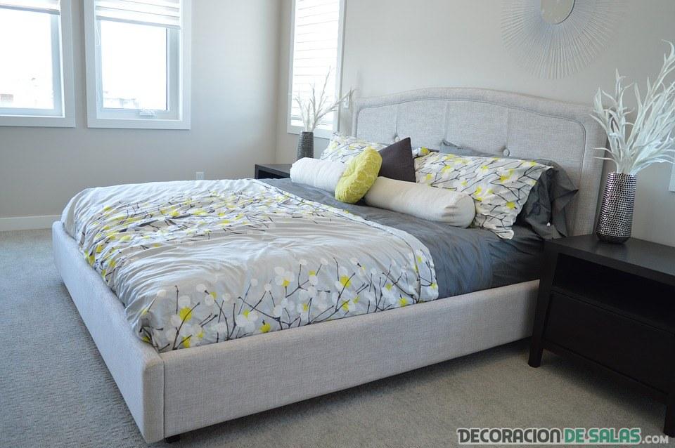 cama de dormitorio sencilla