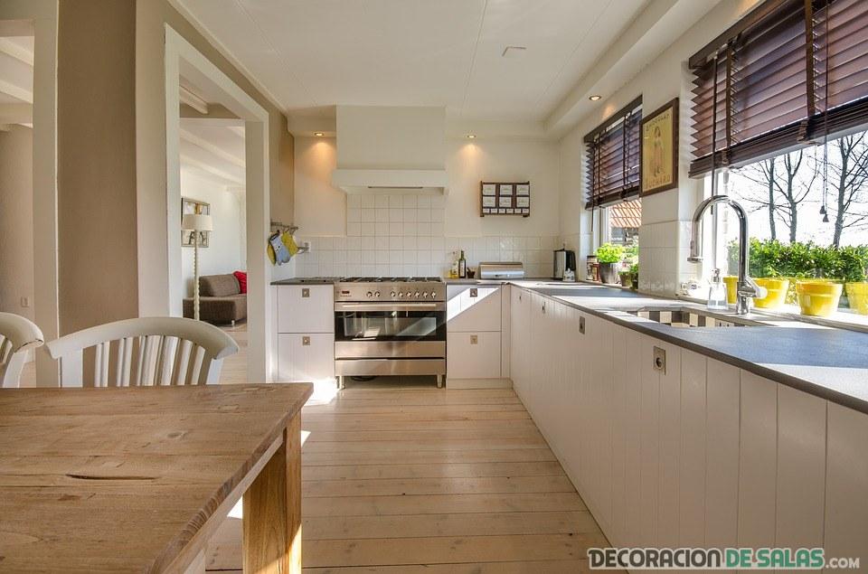 cocina grande moderna