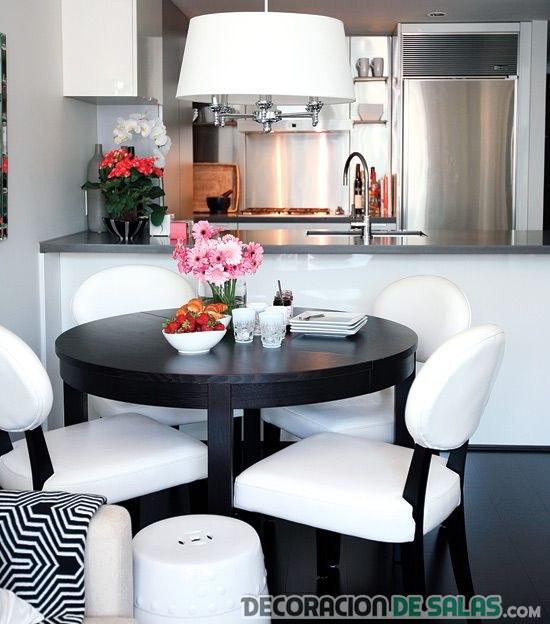 Cocinas y comedores juntos en espacios peque os for Modelos de comedores redondos
