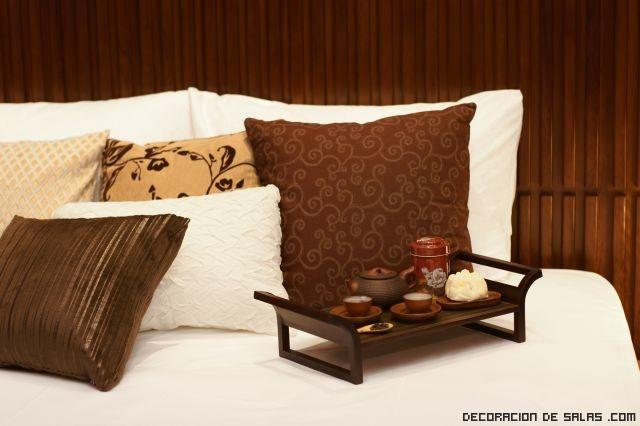 Dormitorios con decoraci n oto al - Cojines para dormitorios ...