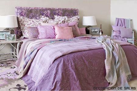 Cojines en la cama
