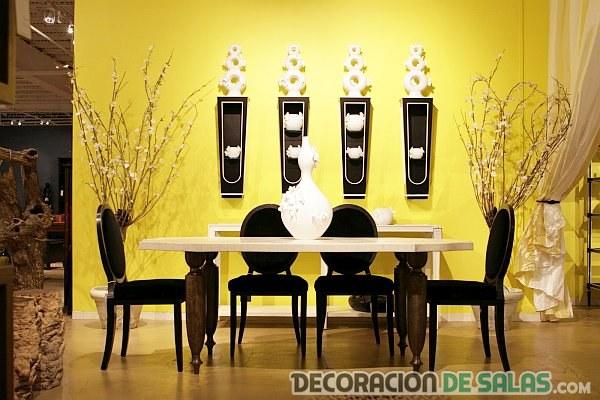 comedor en negro y amarillo