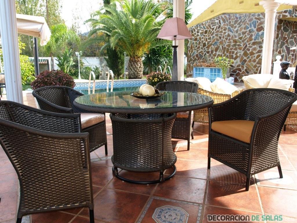 La mejores ideas para decorar el porche de tu casa - Comedor terraza ...