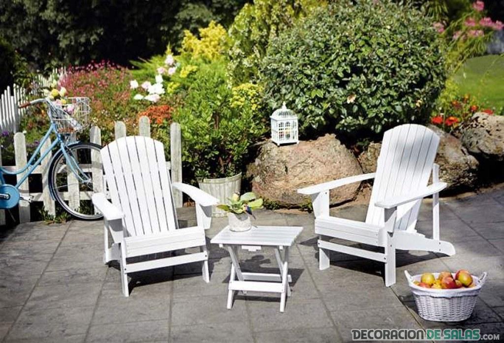 decoración exterior con muebles reciclados