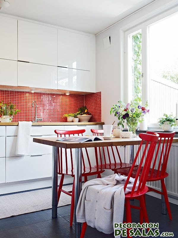 Un toque rojo para tu cocina for Sillas rojas cocina