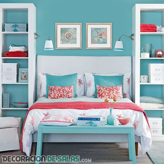 Combina el color azul y coral en los dormitorios for Blue and peach bedroom ideas