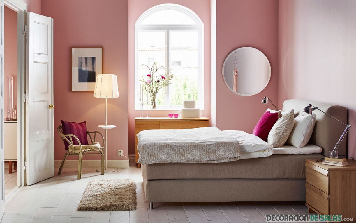 dormitorio de matrimonio en color