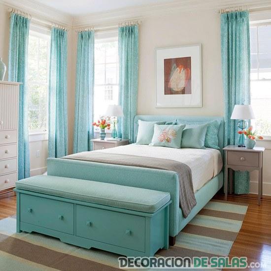 dormitorio decorado en aguamarina