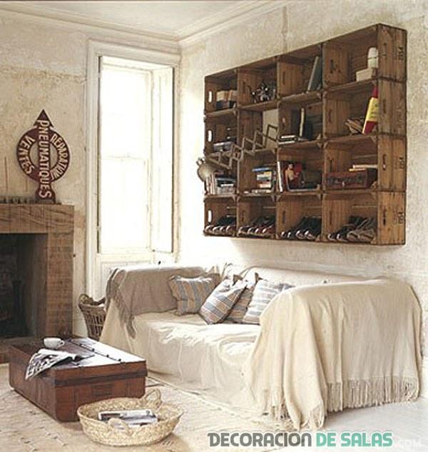 estantería de pie con cajas de madera