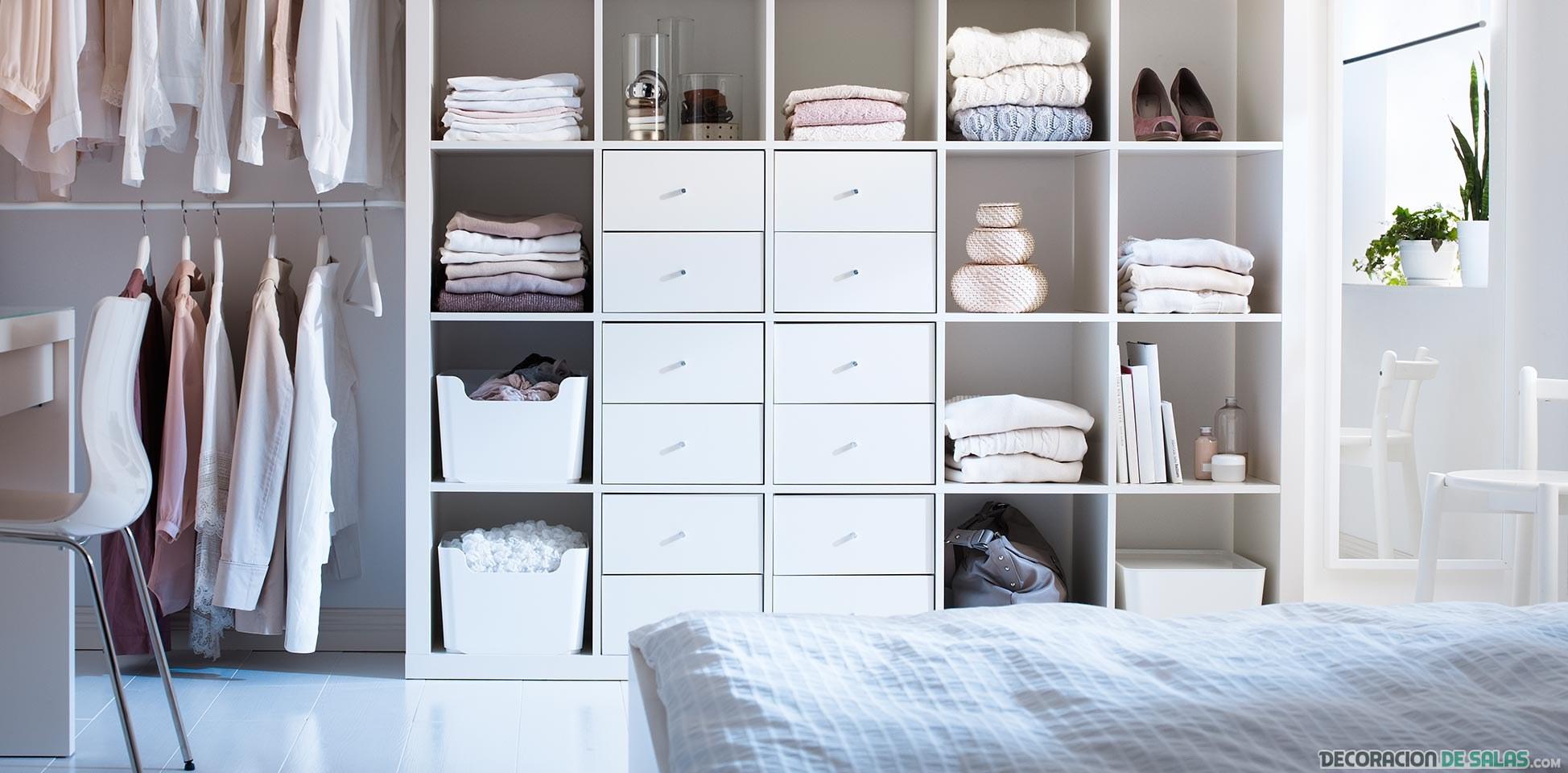 estanterías abiertas como vestidor