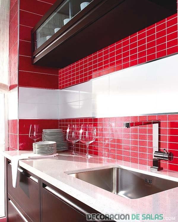 Mosaicos en colores para la cocina for Azulejos mosaicos para cocinas