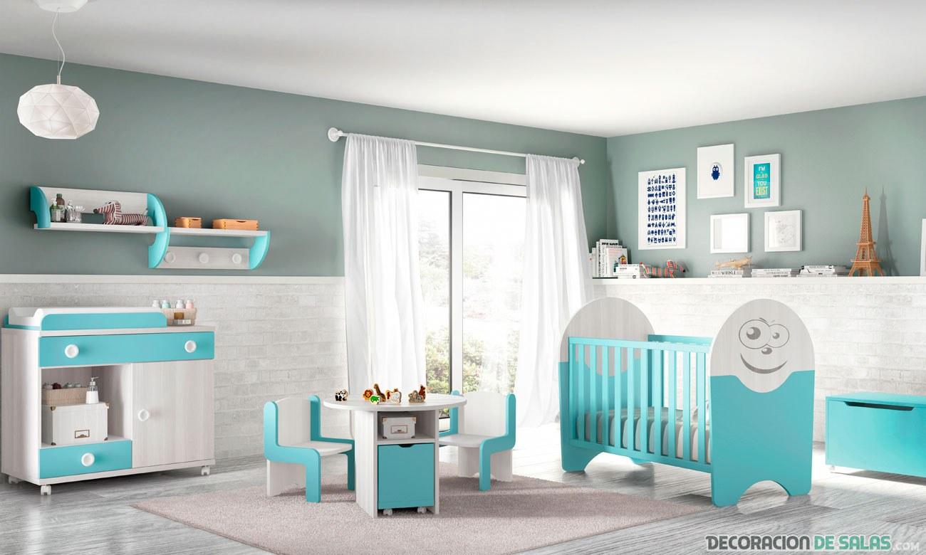 habitación de bebé en blanco y azul
