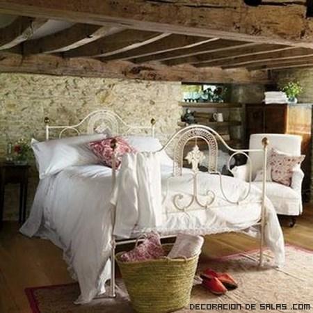 Ropa de cama de color blanco
