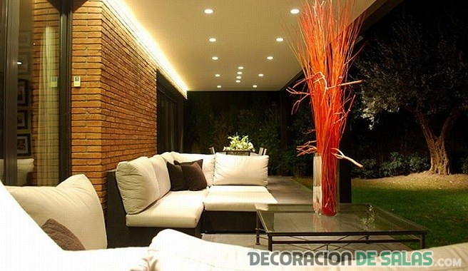 Luces led en tus salones - Luces exteriores jardin ...