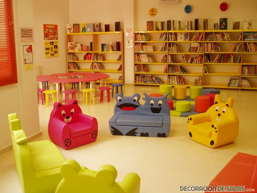 libreras por las paredes de cuartos infantiles