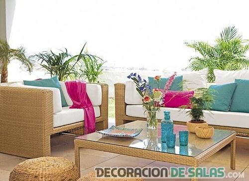 muebles de terraza combinados en colores