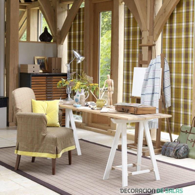 oficina sencilla con muebles rústicos