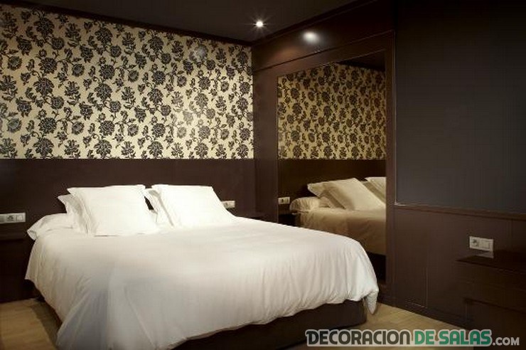 5 ideas para darle protagonismo a la pared del dormitorio for Papel pintado pared dormitorio