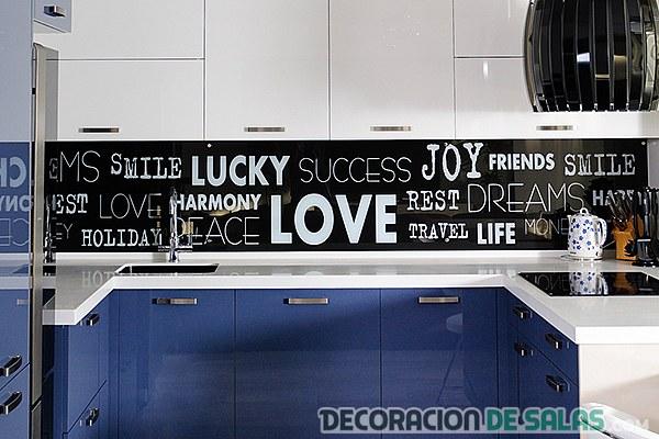 Azulejos decorativos para la cocina - Cocinas con vinilo ...