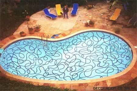 pintar fondo piscina