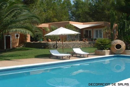 Piscina en casa - Decoracion de jardines con piscina ...