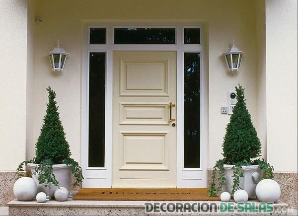 Puerta blanca hogar