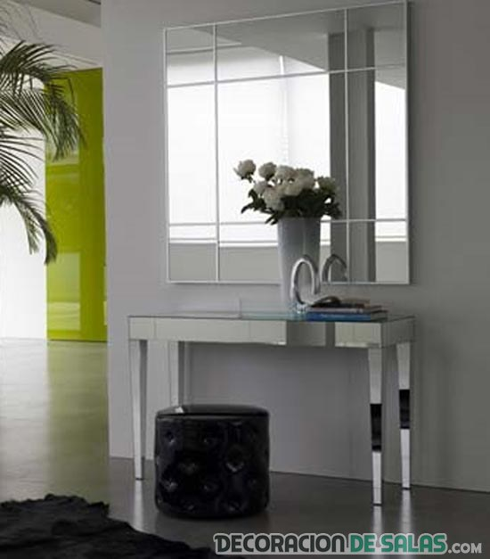 Muebles de espejo para decorar tu hogar for Espejo pequeno decoracion