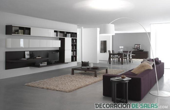 sala amplia decorada con colores neutros