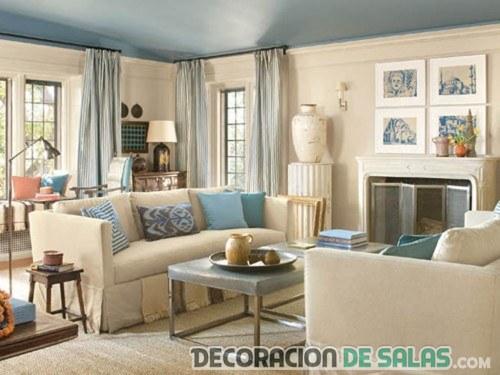 sala con chimenea en color azul