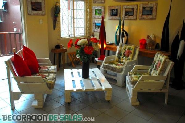 Decora tu hogar con muebles reciclados for Muebles palets reciclados