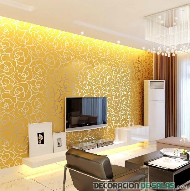 salón con paredes doradas