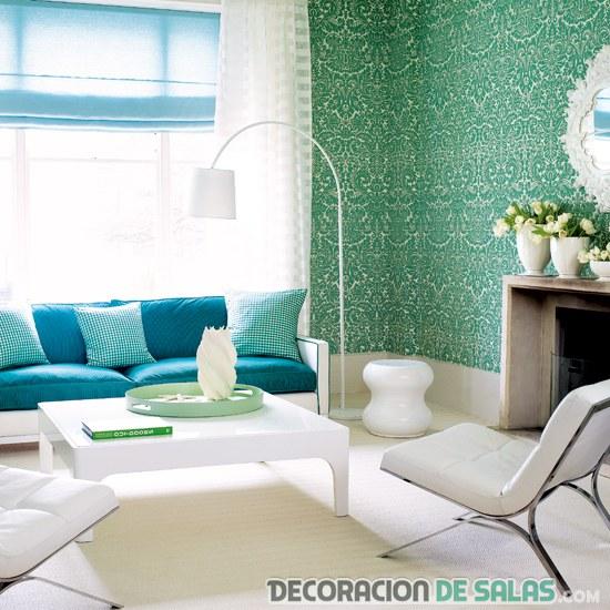 salón decorado en blanco, verde y azul