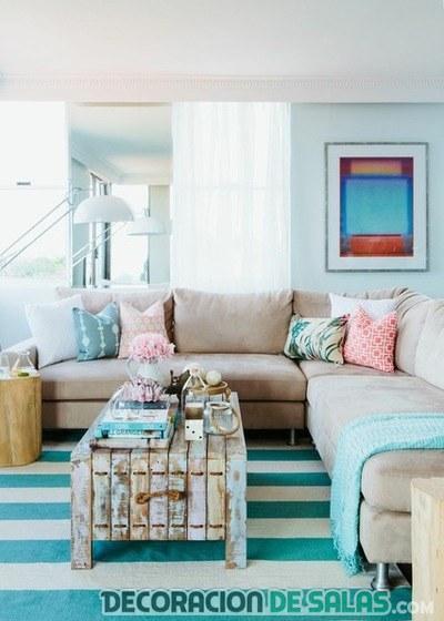 salón moderno con alfombra en azul