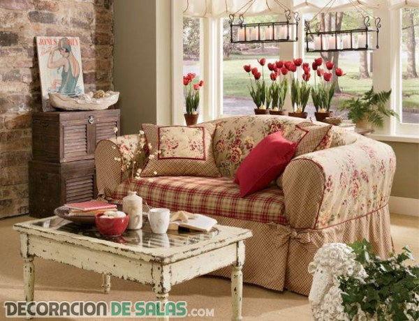 Decoraci n con estilo shabby chic para tu sal n for Decoracion pared salon original