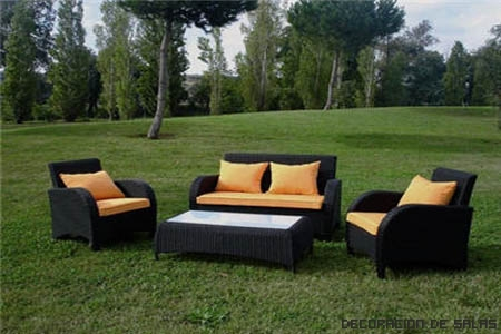 Iluminaci n y muebles para el jard n for Sillones para jardin exterior