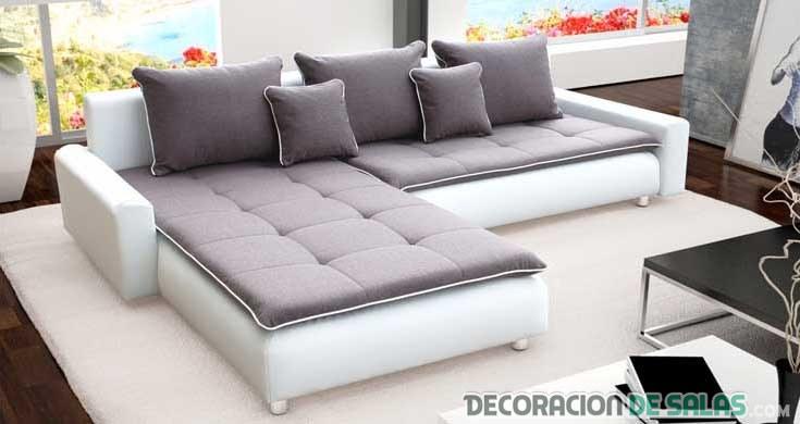 sofá blanco con cubierta